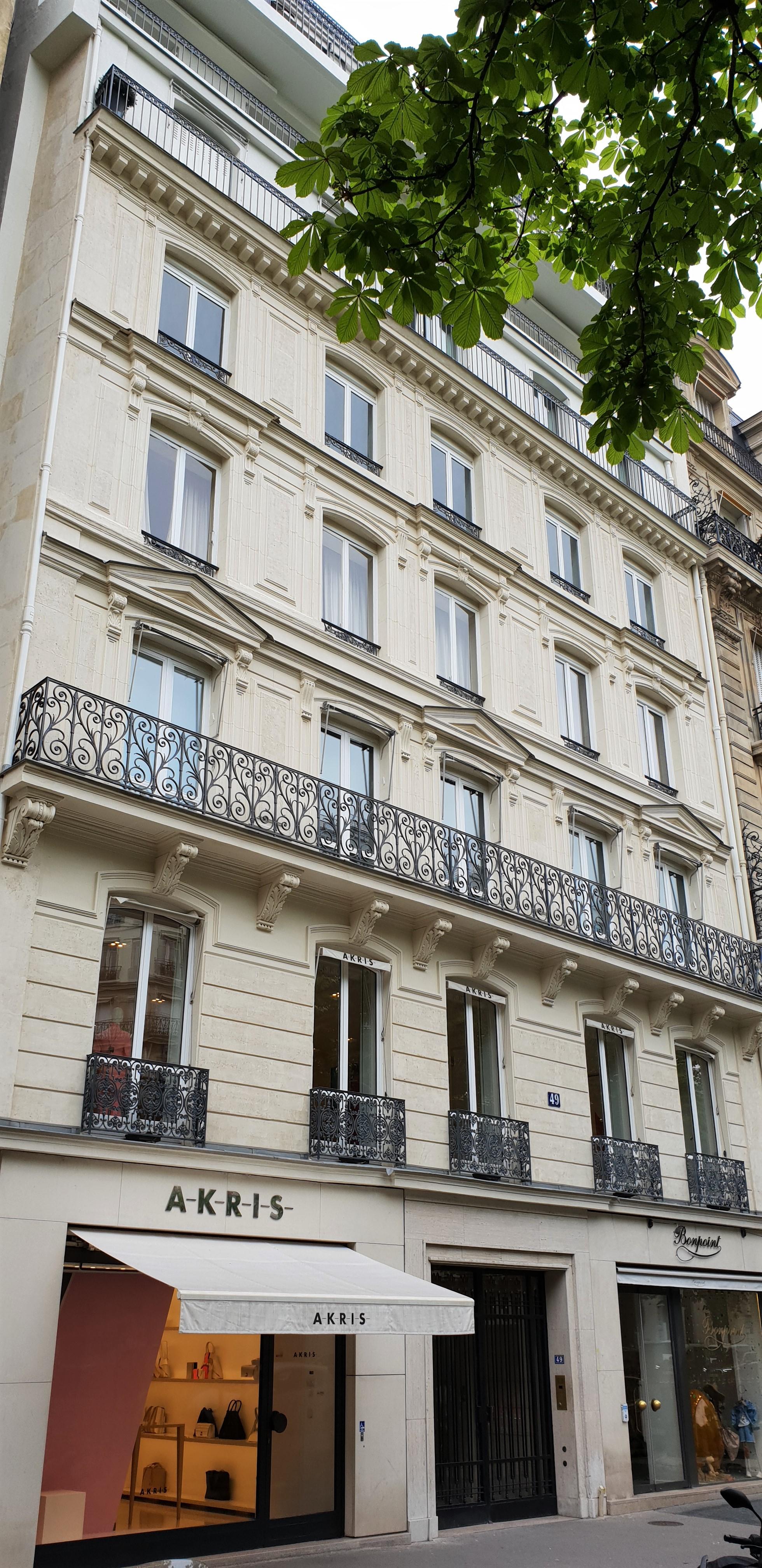 Photo - EXCLUSIVITE    TRIANGLE D'OR Paris 8ème     VENDU